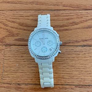 Micheal Kors White And Silver Swaches Size : O.S